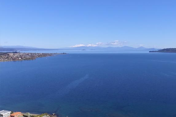 Lake Taupo and views of Mt Ruapehu