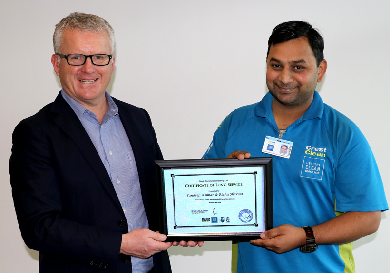 Award presented to Ashburton franchisee